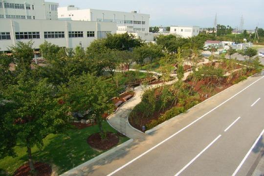 某工場庭園01